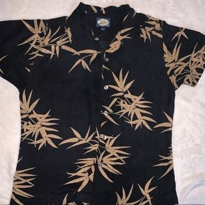 Tommy Bahama button up t-shirt
